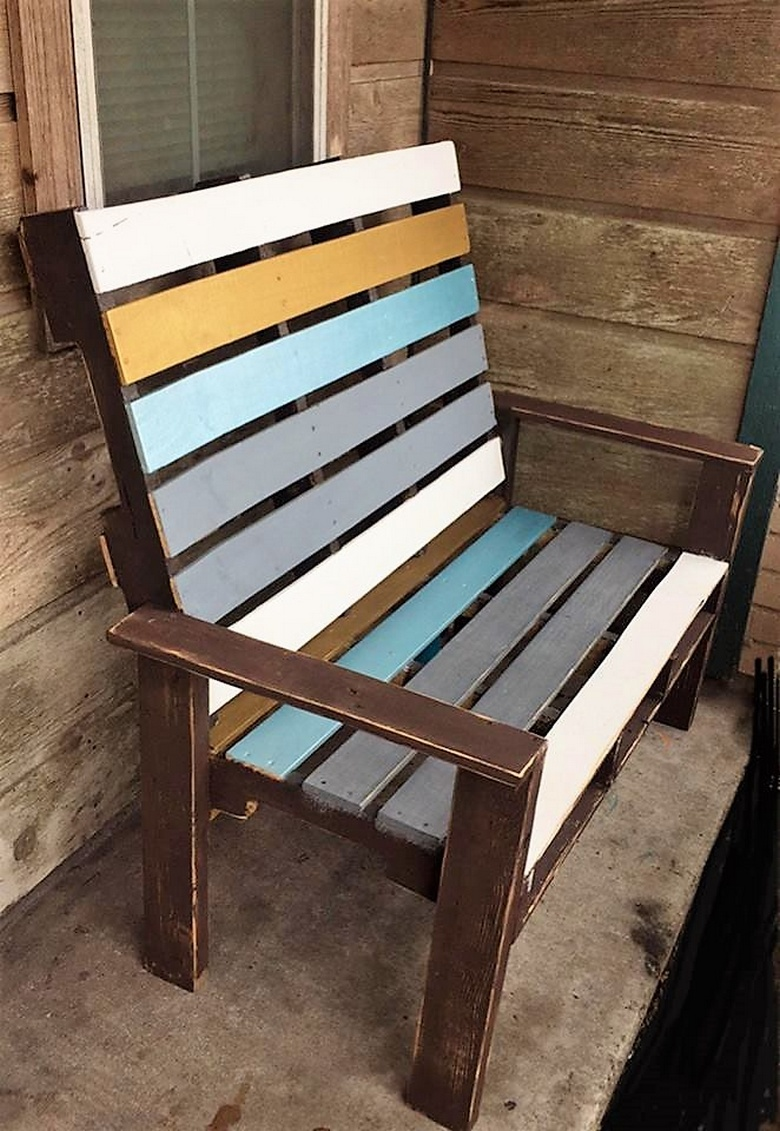 recycled pallets chair