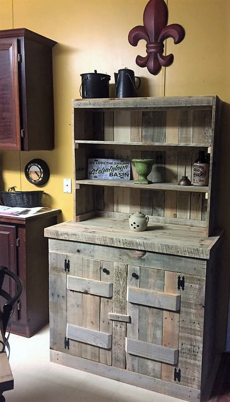 recycled pallets kitchen hutch