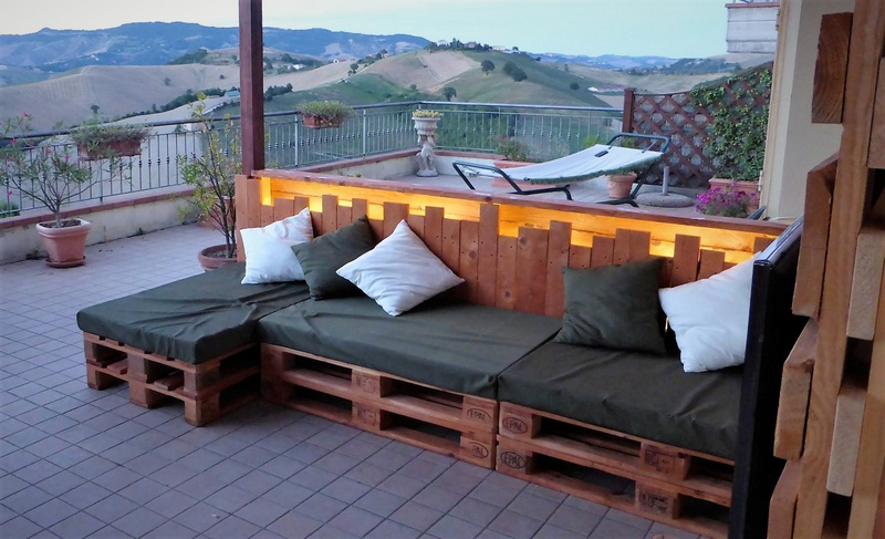 recycled pallets patio couch