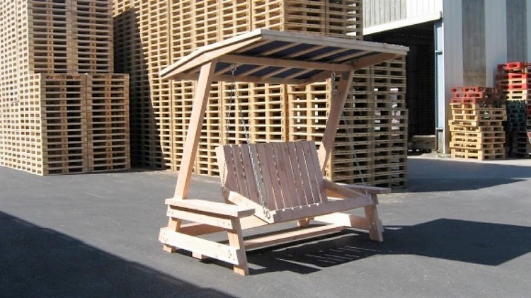 recycled pallets swing