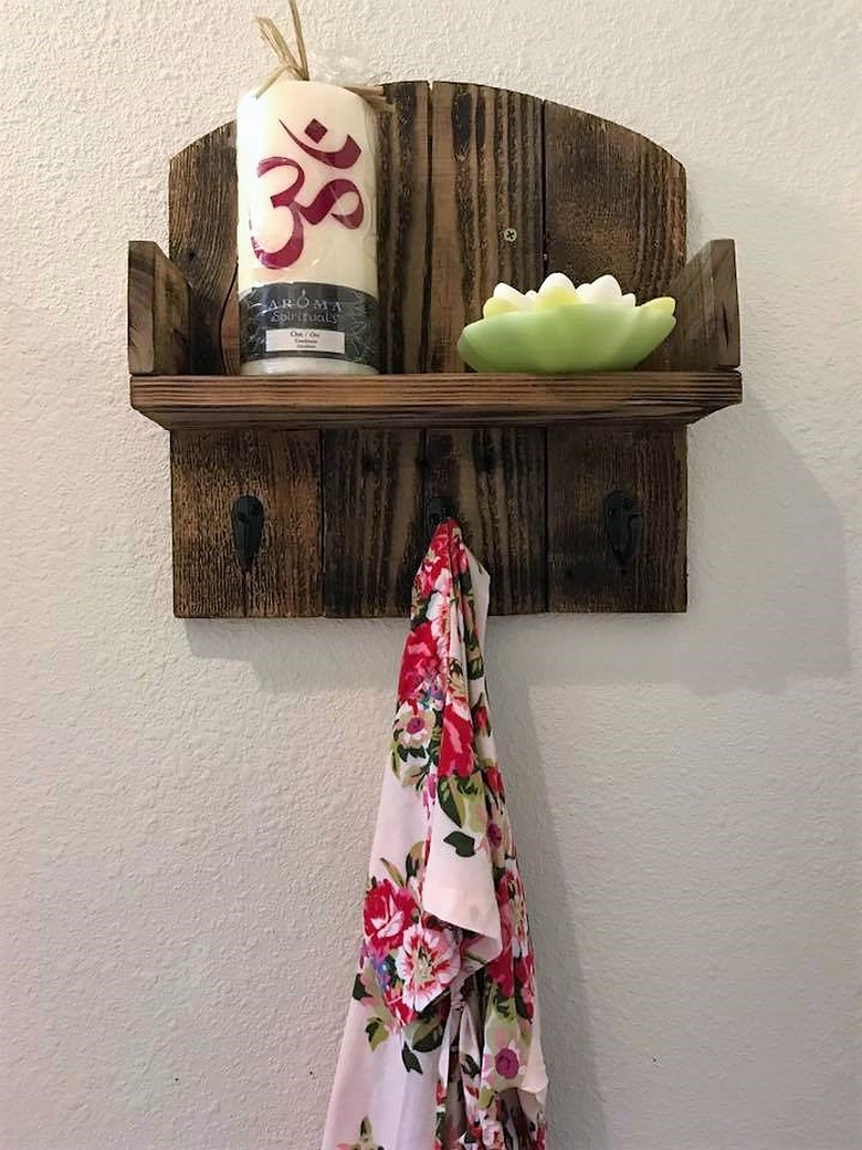 rustic simple pallet shelf