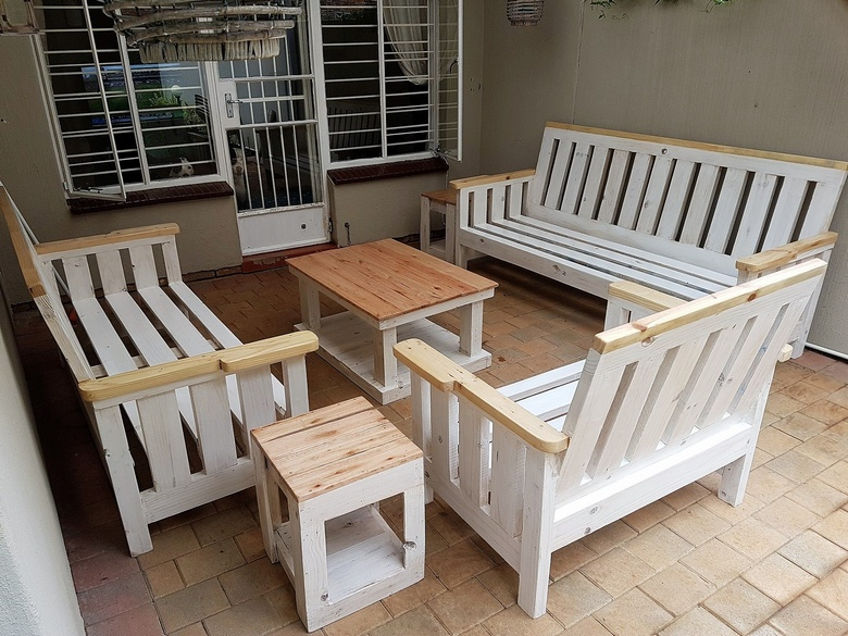 upcycled pallet lounge furniture