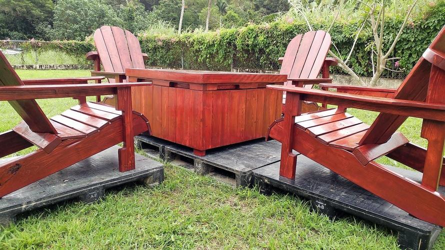 upcycled pallets adirondack patio set