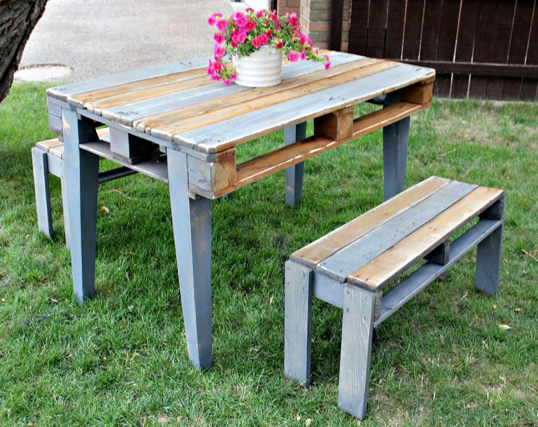 vintage pallet table with benches