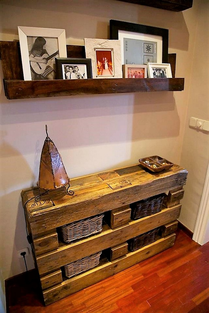 wood pallet side table and shelf