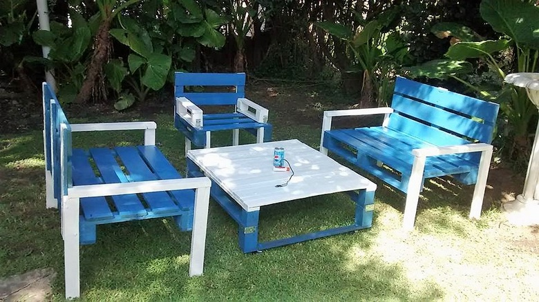 wood pallets garden furniture