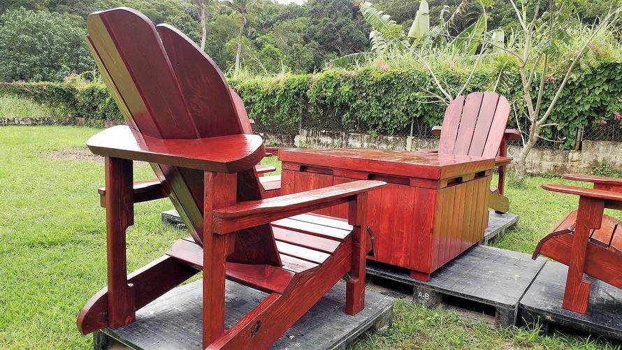 wooden pallets adirondack patio set