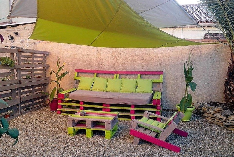 pallet colorful patio furniture