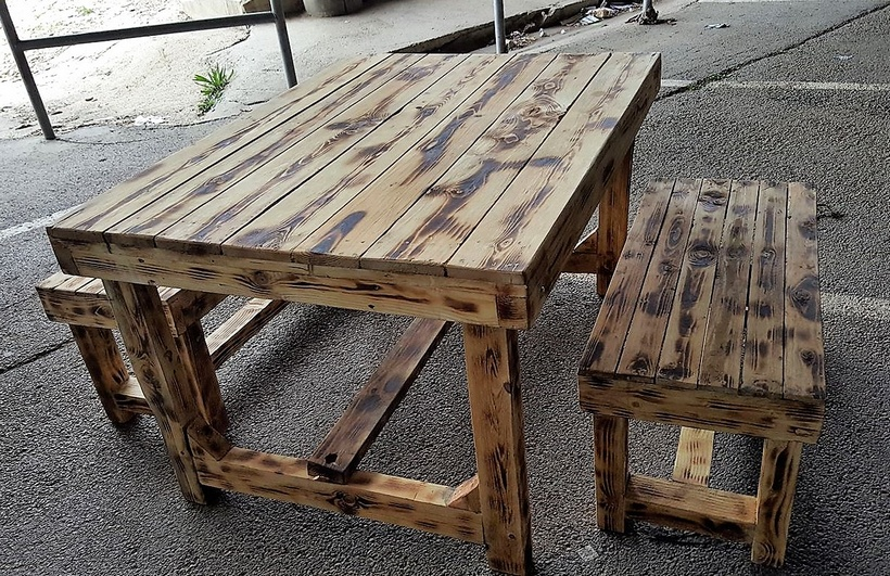 pallet rustic table with benches