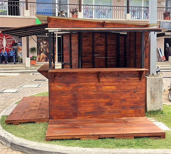 pallet wood patio bar idea