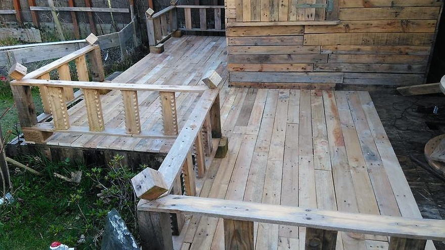 pallets patio cabin terrace