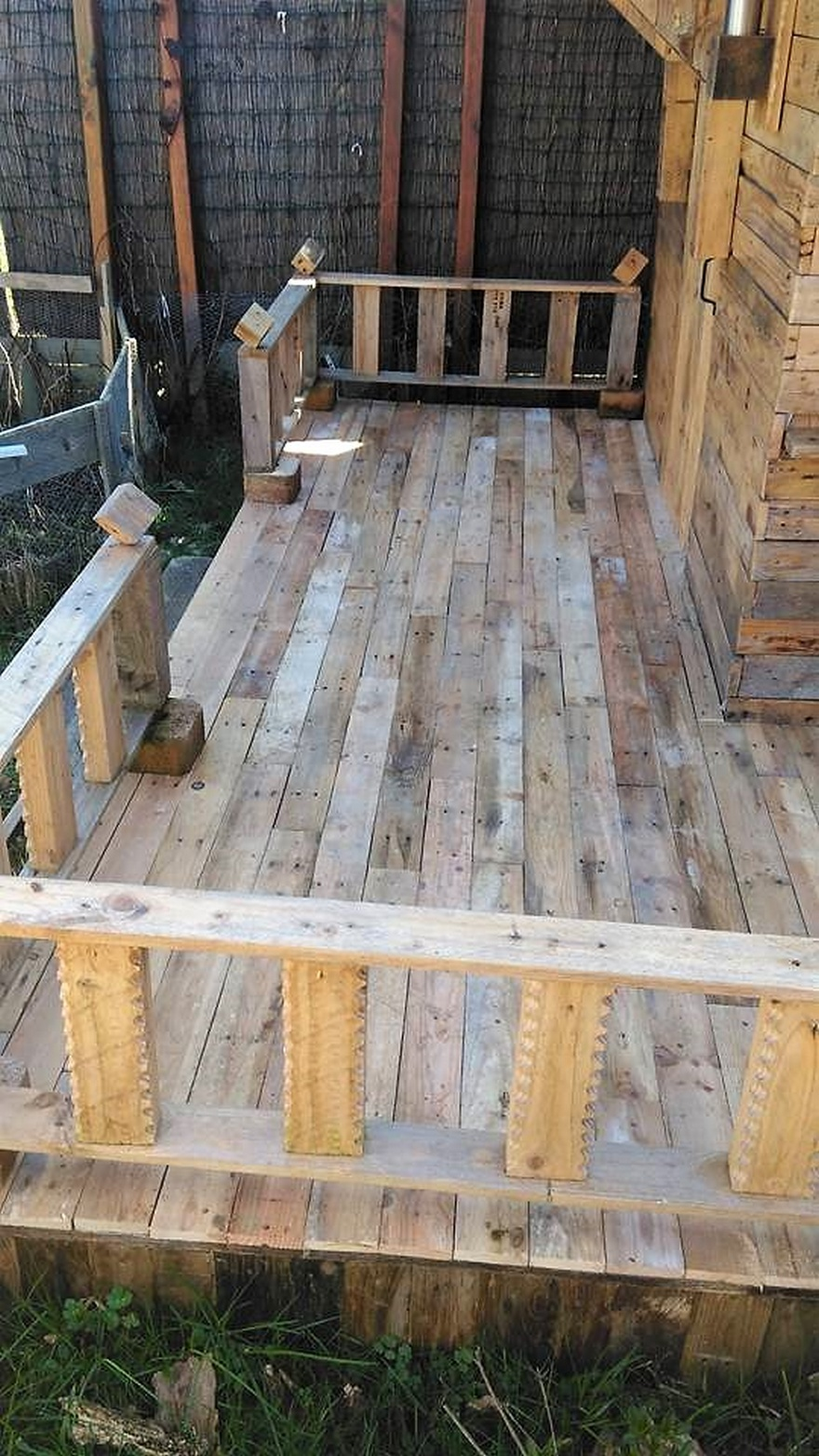 pallets terrace idea
