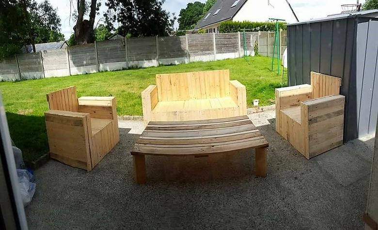 recycled pallet patio garden furniture