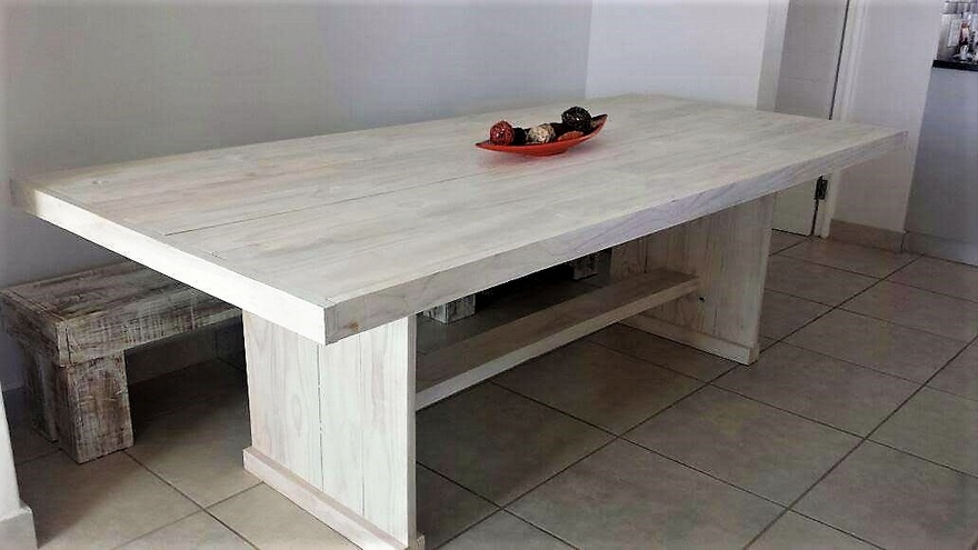 recycled pallets dinnng table plan