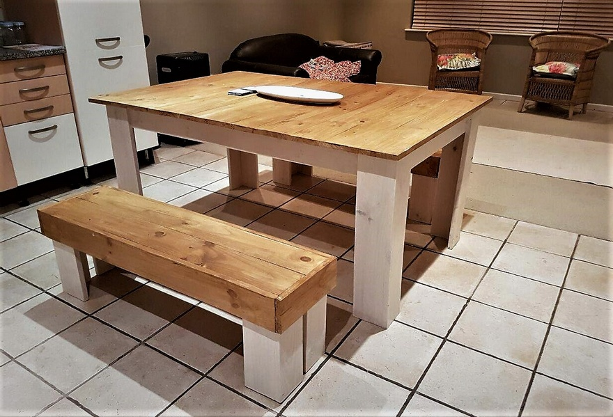 Pallets Wood Made Dining Set Ideas