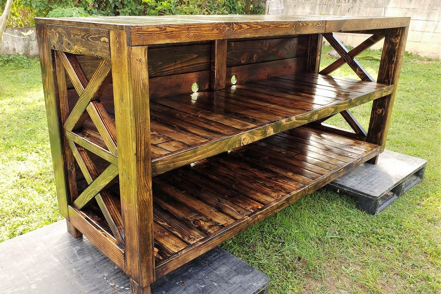 recycled pallets entertainment center idea