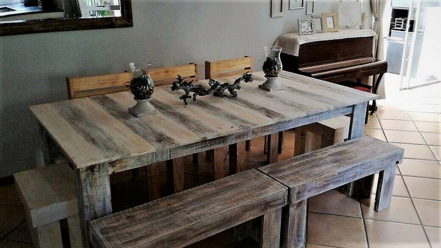 upcycled pallets dinnng table