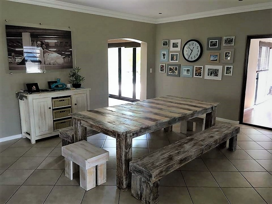 wood pallets dinnng table