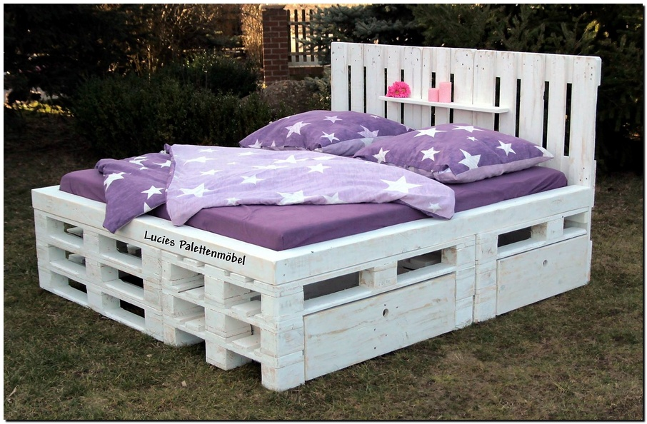 wooden pallet giant bed