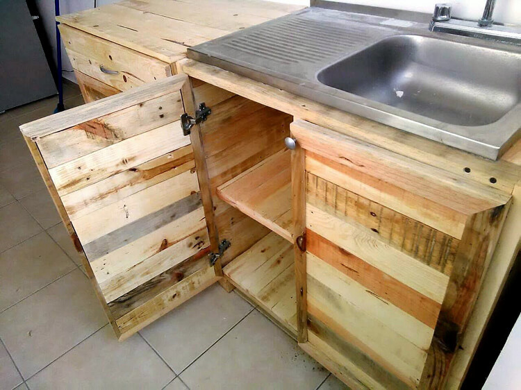 pallets kitchen storage project