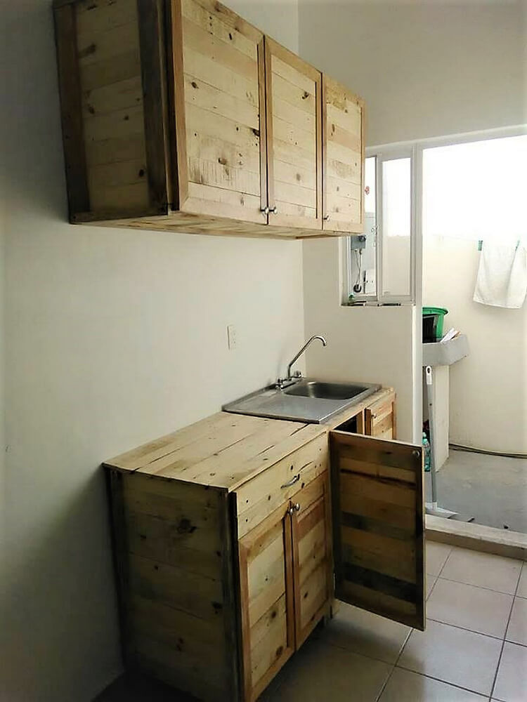 pallets kitchen storage