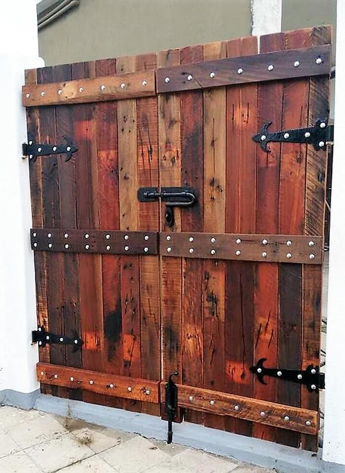 pallets made gate