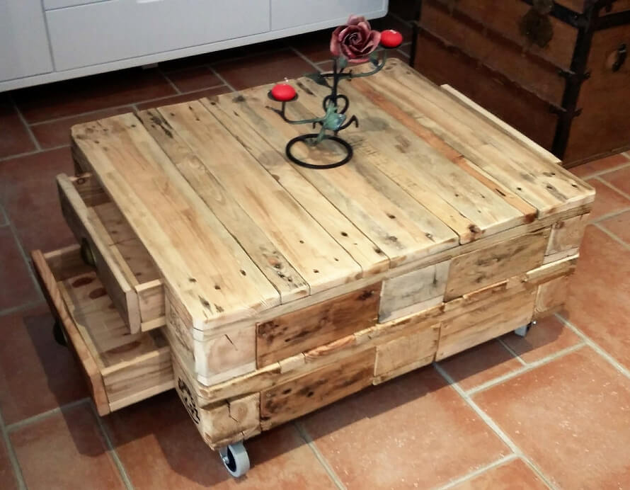 pallets table on wheels