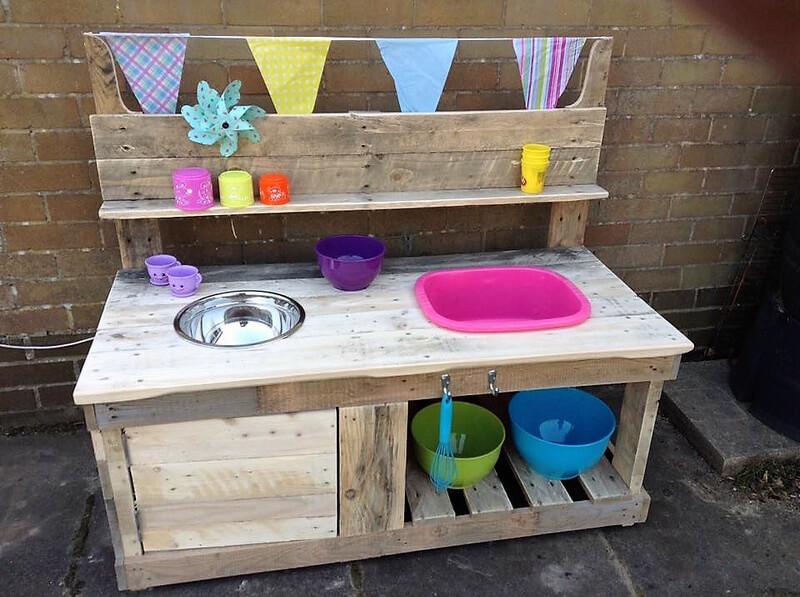 pallets wooden mud kitchen