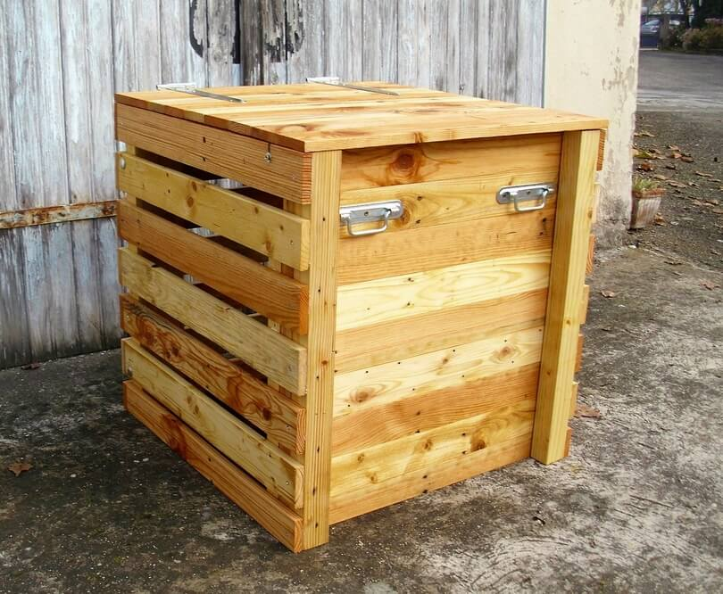 recycled pallet composter