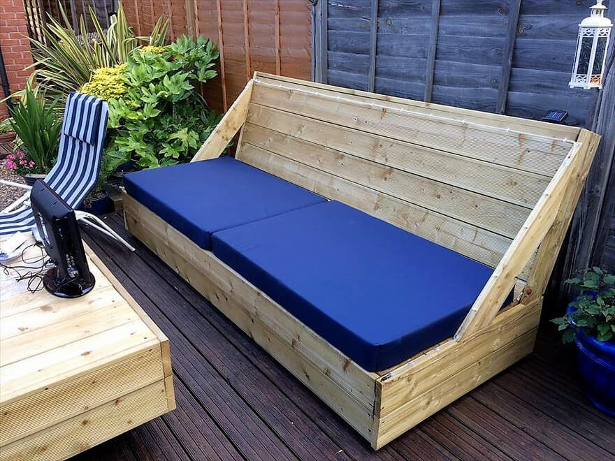 recycled pallet garden deck couch