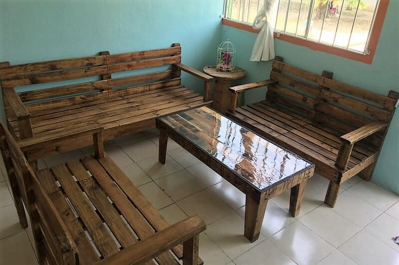 recycled pallet wood furniture 1