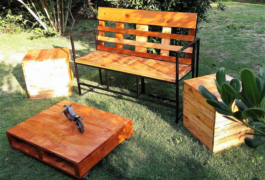 recycled pallets garden furniture