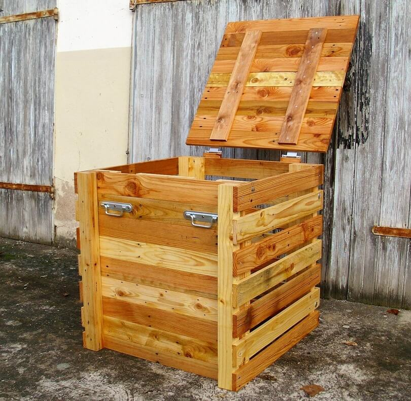 recycled wood pallet composter