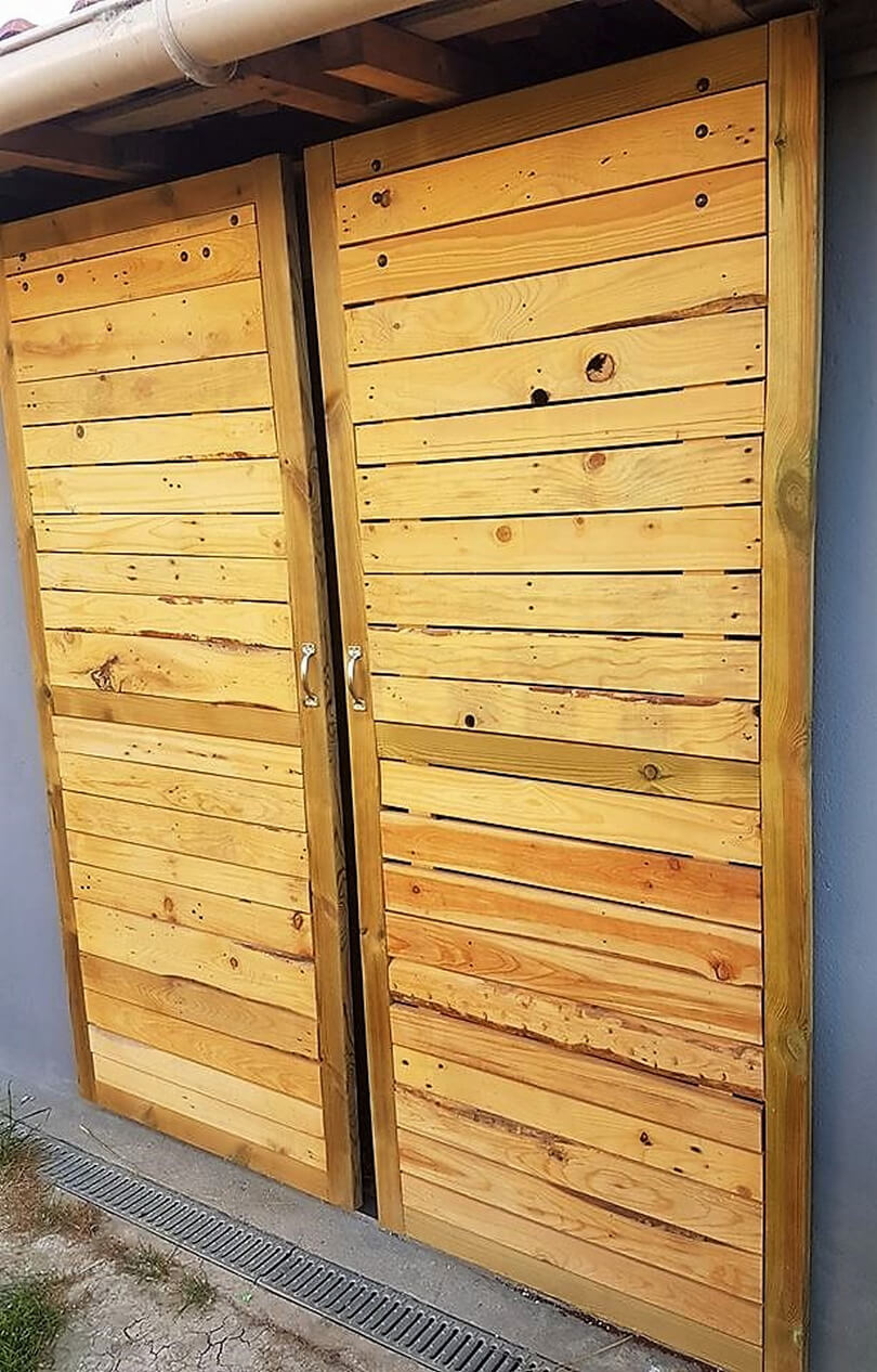 recycled wood pallet door