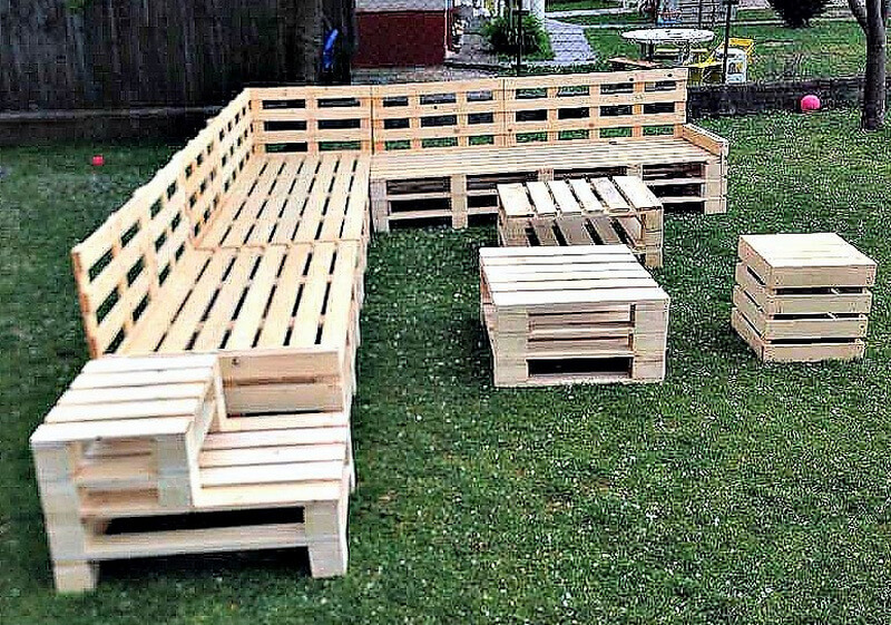 recycled wood pallet garden furniture