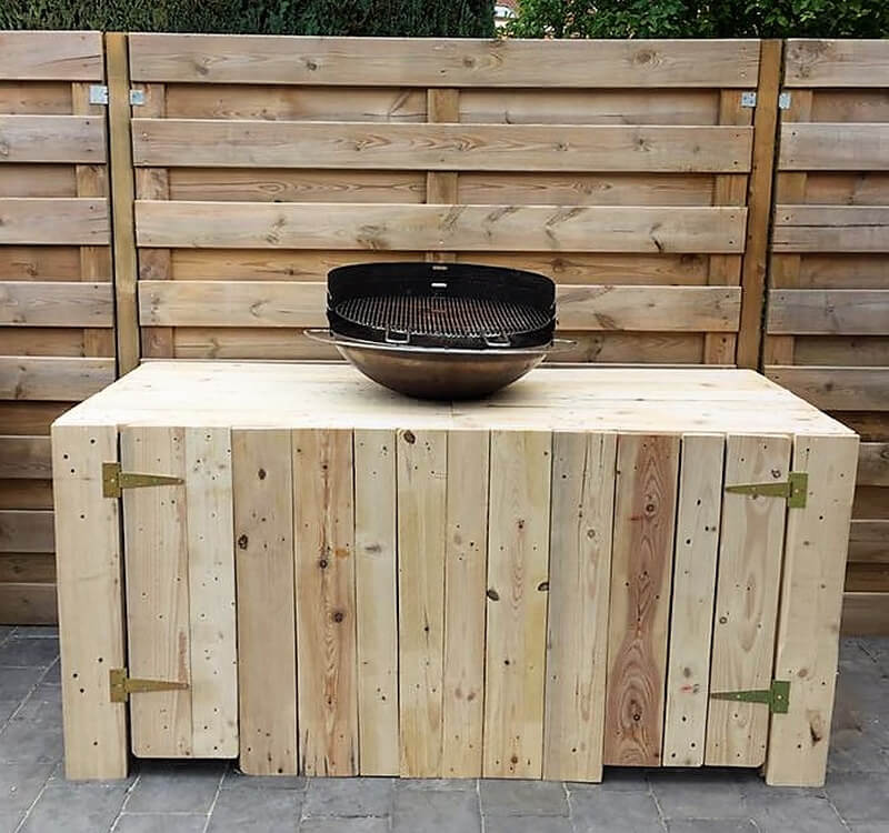 reused pallets barbecue table