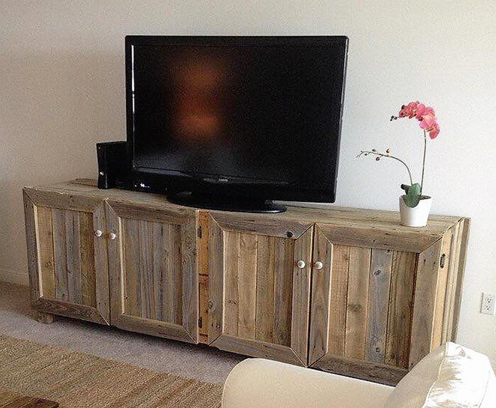 wood pallets made tv stand