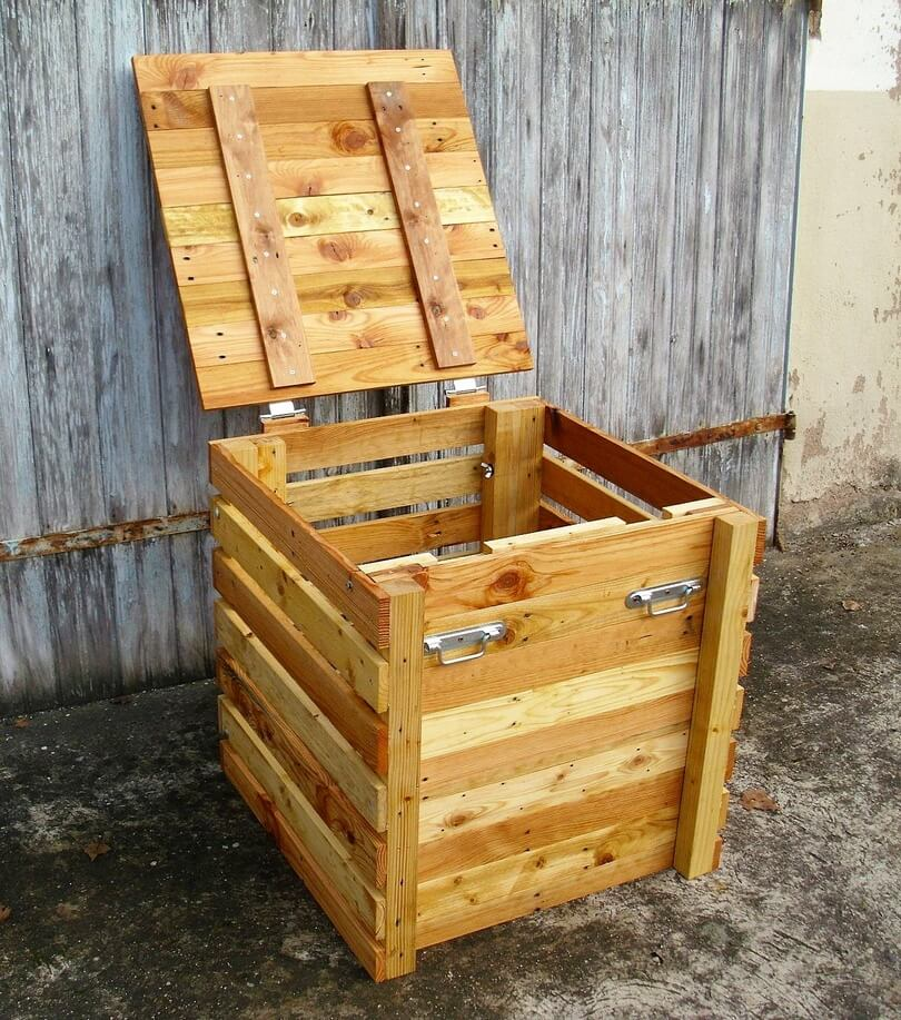 wooden pallet composter