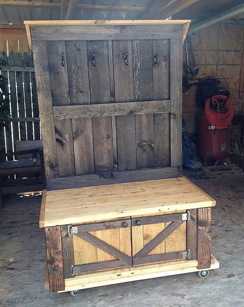 Pallets Rustic Hall Tree