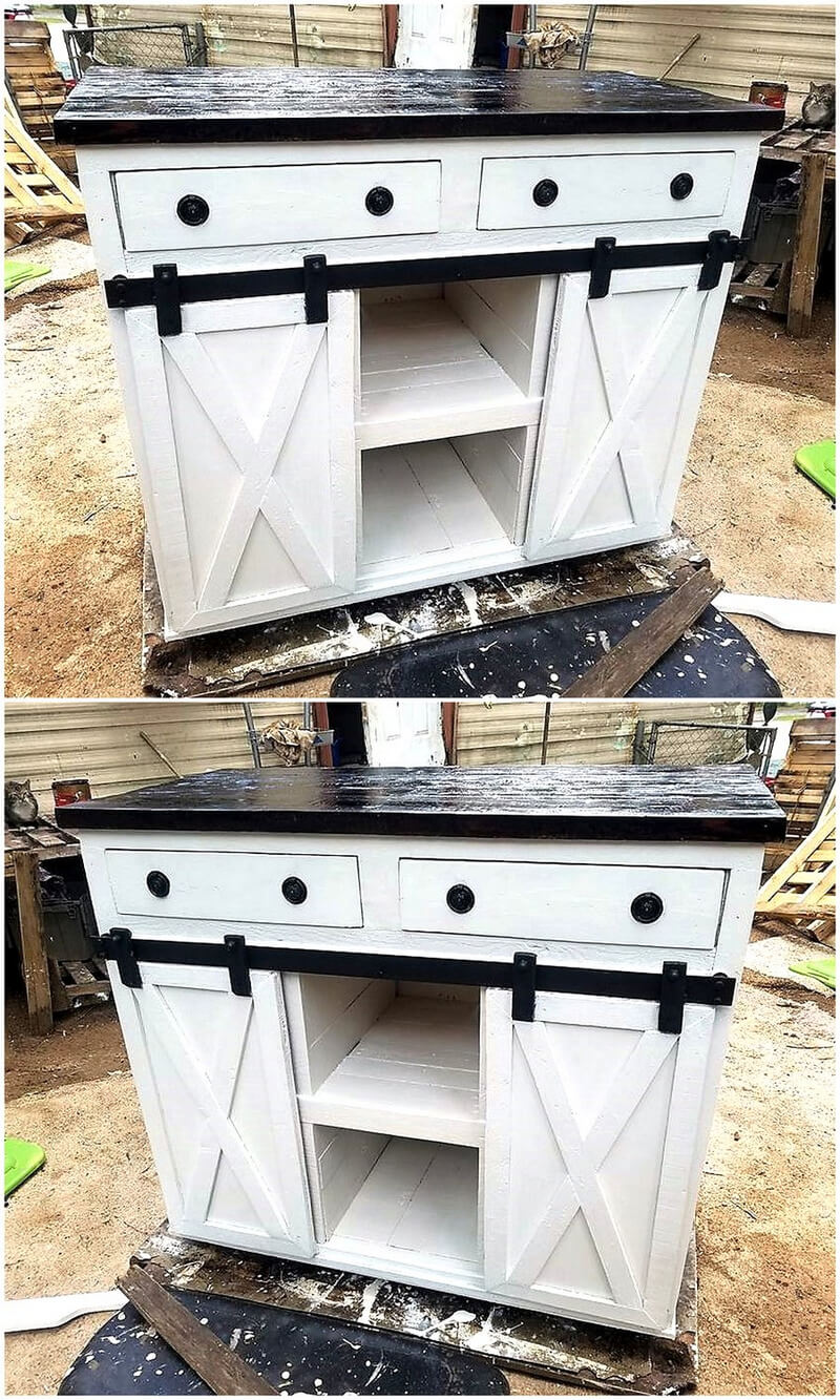Recycled pallets kitchen island