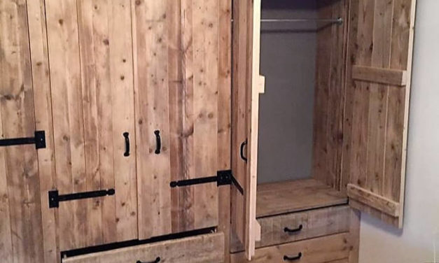Adorable Closet Idea with Upcycled Pallets Wood