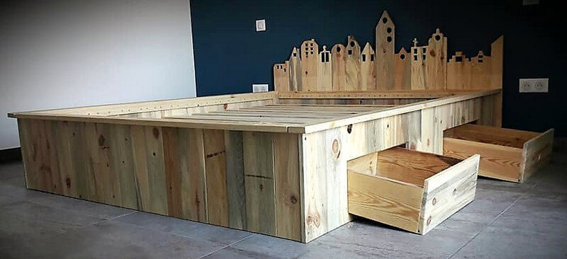 pallets bed with storage