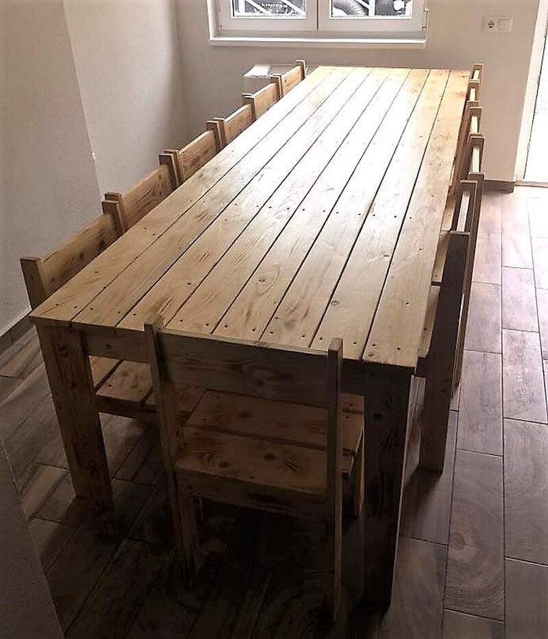 pallets made dining table