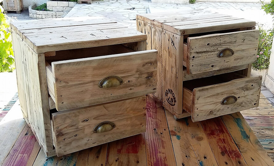 recycled pallets side tables