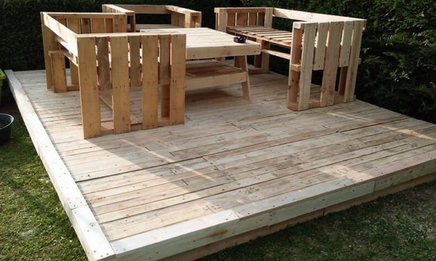 DIY Pallets Wood Garden Terrace with Furniture