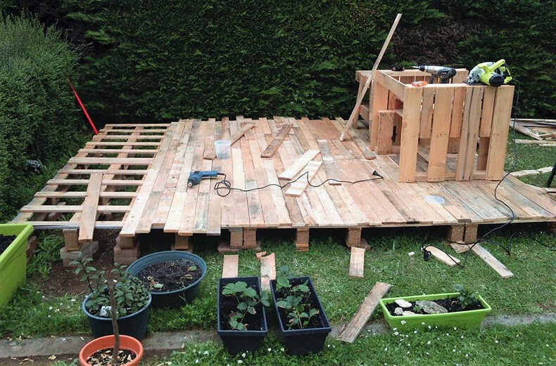 pallets made diy garden terrace