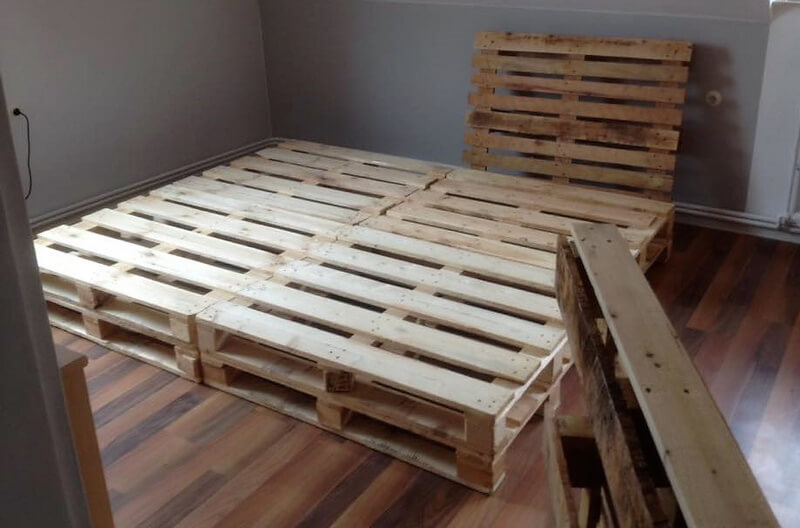 how to made a pallet bed