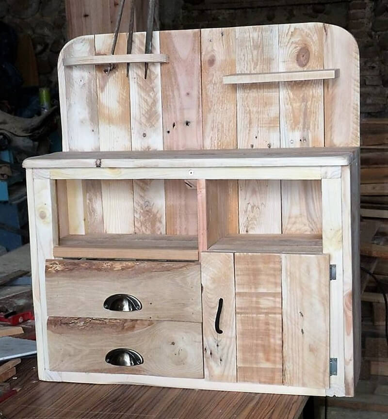 pallet kitchen cabinet idea