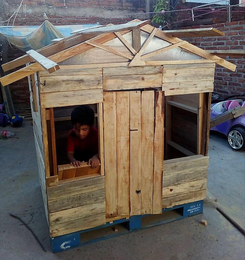 pallet wood playhouse