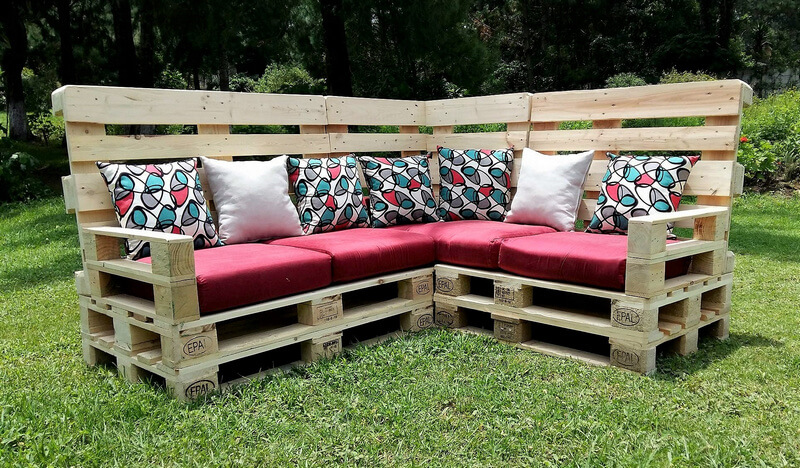 pallets garden couch